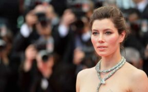 Jessica Biel's Lobby Against Vaccination