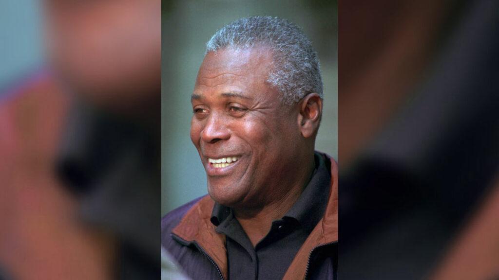 KC Jones died after dealing with Alzheimer disease