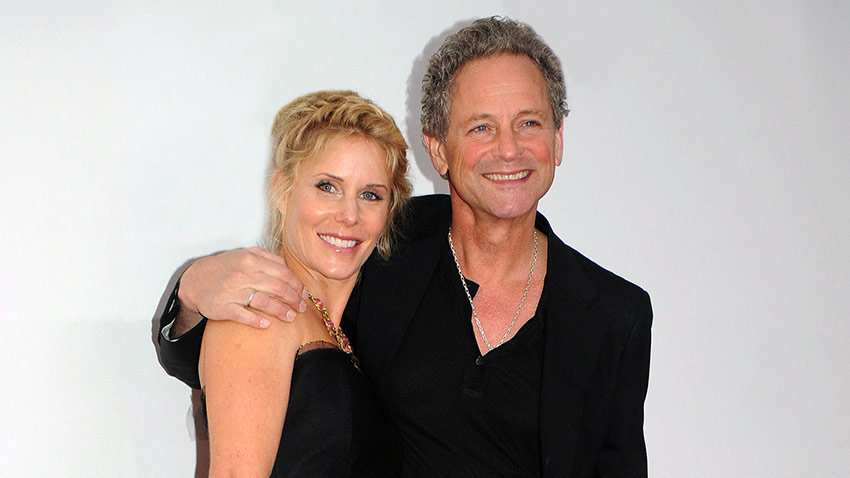 Lindsey Buckingham and his wife will split