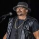 Kid Rock's Gay Slur has been repeated in a bizarre tweet again, and it seems that the Collide rapper is proud of it.
