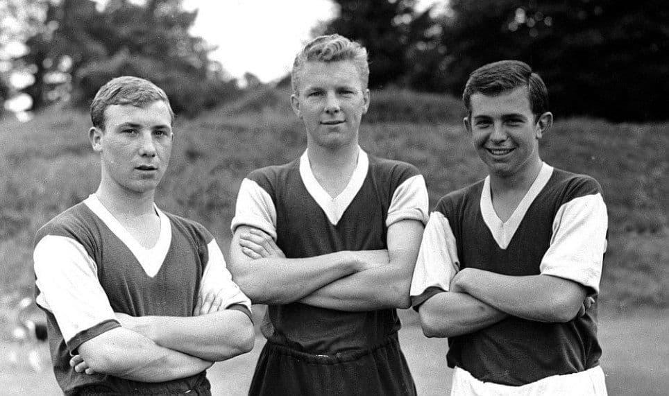 Devasted Fans Mourn Footballer Tony Scott's Death at 80